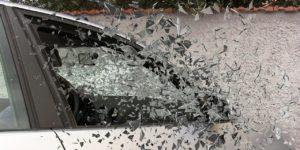 https://pixabay.com/it/photos/incidente-d-auto-vetro-rotto-337764/